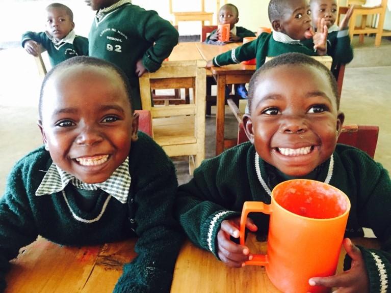 [子どもたちに温かな給食を贈る「TABLE FOR TWO」]の画像