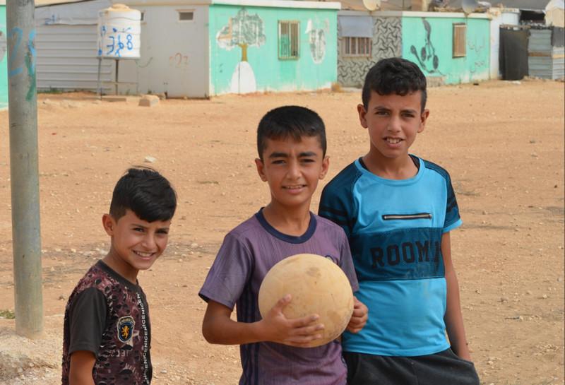 [ザアタリ難民キャンプで暮すシリアの子どもたちに、 継続した学びの機会を!]の画像